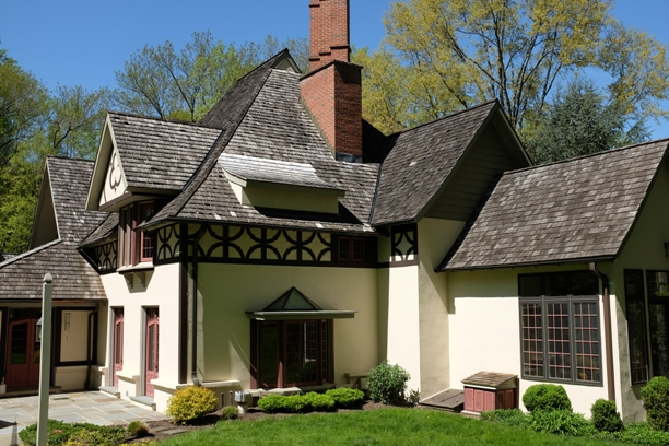 Even older cedar roofs may have many years of beautiful service left to their lifespan & What To Do If You Are Selling An Older Cedar Roof Home   Cedar Roof memphite.com