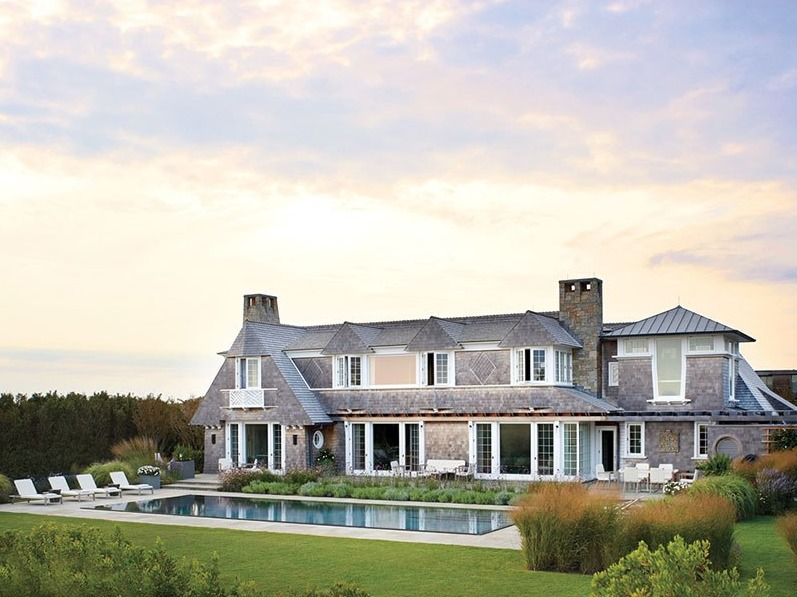 This Eastern Long Island waterfront residence balances a fully expressed shingle classicism outside, and a spare, cool modernity within. The shingled exterior borrows details from historic architecture, while interior spaces are distinctly modern, combining understatement and luxury. Ike Kligerman Barkley